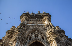 up up and away (Tin-Tin Azure) Tags: mahabat maqbara palace mausoleum bahaduddinbhai hasainbhai junagadh gujarat india nawab 18th century chitkana chowk tomb baharuddin bhar blue sky ruin detail architecture