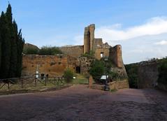 Sovana - 1 (anto_gal) Tags: toscana grosseto 2016 sovana paese borgo rocca fortezza aldobrandeschi