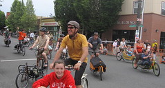 Cirque du Cycling_19 (METROFIETS) Tags: green beer bicycle oregon garden portland construction paint nw box handmade steel weld coat transport craft cargo torch frame pdx custom load cirque woodstove builder haul carfree hpm suppenkuche stumptown paragon stp chrisking shimano custombike cargobike handbuilt beerbike workbike bakfiets cycletruck rosecity crafted 4130 bikeportland 2011 braze longjohn paradiselodge seattlebikeexpo nahbs movebybike kcg phillipross bikefun obca ohbs jamienichols boxbike handmadebike oregonhandmadebikeshow nntma hopworks metrofiets cirqueducycling oregonmanifest matthewcaracoglia palletbike oregonframebuilder seattlebikeshow bikefarmer trailheadcoffee cargbikerace