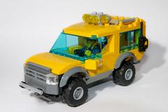MOC Dog Transport SUV (Arnage) Tags: cars toys lego vehicles suv legocity legomoc