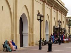morocco (gerben more) Tags: men women streetlight gate streetlife streetscene mosque morocco marrakech marrakesh marokko kasbah