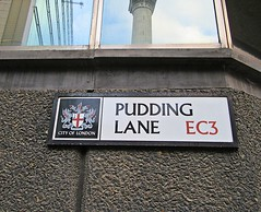 The Monument and Pudding Lane (Dun.can) Tags: greatfireoflondon 1666 350thanniversary monument london puddinglane christopherwren wren ec3 cityoflondon 17thcentury streetsign