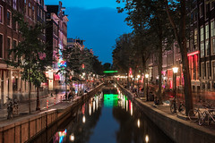 Put on the red lights (McQuaide Photography) Tags: amsterdam noordholland northholland netherlands nederland holland dutch europe sony a7rii ilce7rm2 alpha mirrorless 1635mm sonyzeiss zeiss variotessar fullframe mcquaidephotography lightroom adobe photoshop tripod manfrotto light licht water unesco heritage dusk twilight schemering stad city urban lowlight architecture outdoor outside waterfront gracht capitalcity capital building canal authentic classic longexposure colour color colourful redlightdistrict rld touristattraction tourism travel illuminated redlight oudezijdsachterburgwal canalhouse grachtenpand