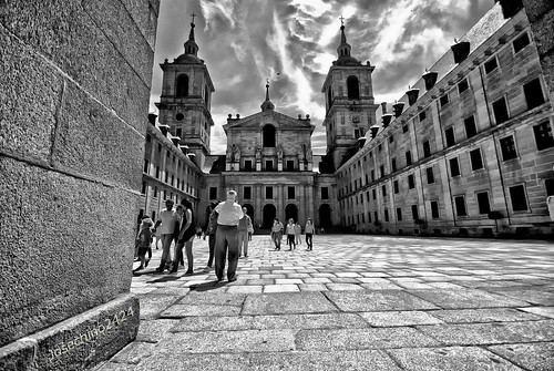 Patio del monasterio del Escorial!! QDD en Madrid Grupo.