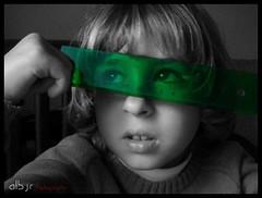 Soñando (Dreaming) (Alberto Jiménez Rey) Tags: bw white black verde green blanco out y cut negro dream bn dreaming alberto primo thinking cadiz rey medina cousin ruler despierto pensando regla soñar jimenez soñando sidonia desaturado creando selectivo ideando flickraward albjr albjr7