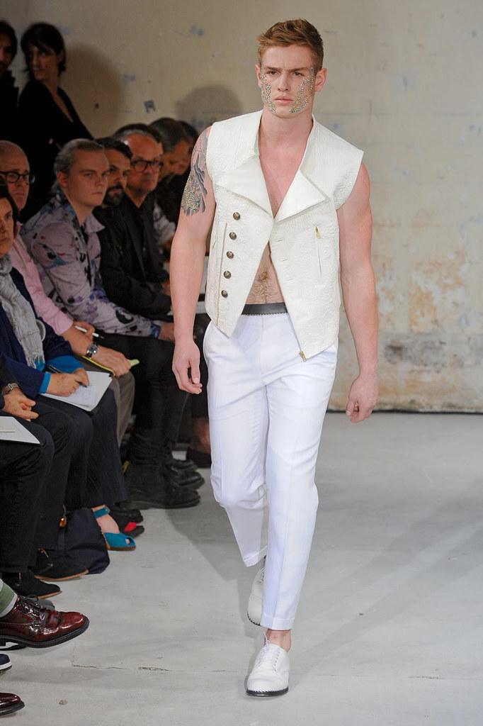 SS12 Paris Christian Lacroix022(Homme Model)