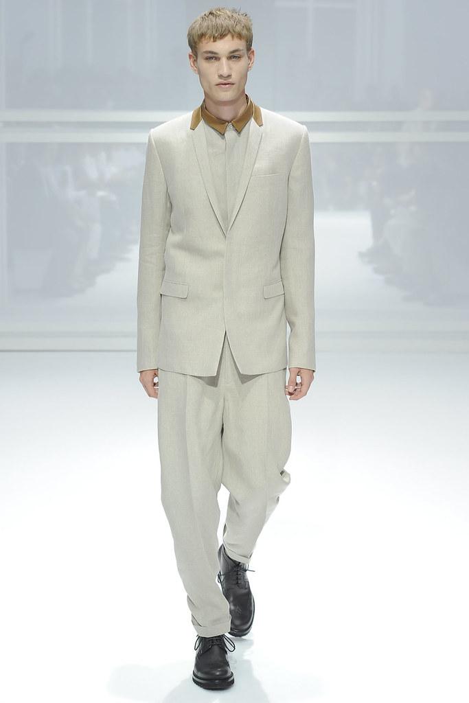 SS12 Paris Dior Homme021_Johannes Linder(VOGUEcom)