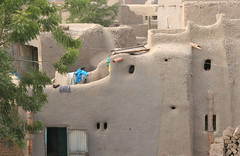 Small Windows (**El-Len**) Tags: africa window architecture mud explore laundry westafrica mali djenne fav10