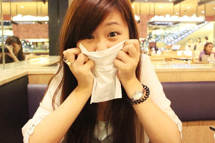 Tissue girl