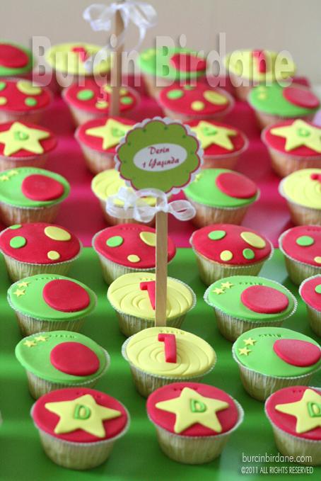 1 Yas Cupcake