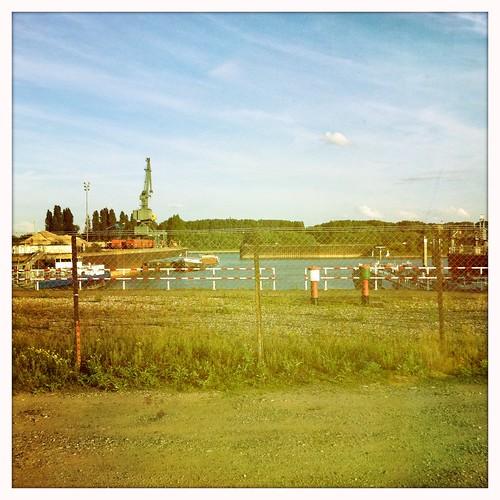 Der jetzige Hafen sei für das Container-Aufkommen zu klein, sagen die Ausbau-Befürworter.