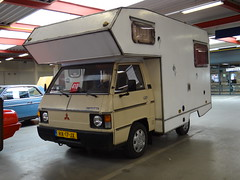 1982 Mitsubishi L200 Camper (Skitmeister) Tags: auto holland bus classic netherlands car auction voiture van rv veiling klassiker pkw klassieker barneveld skitmeister rx17jx