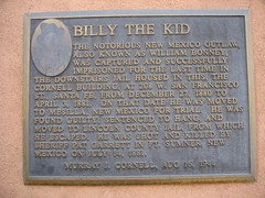 Billy The Kid (mediafury) Tags: newmexico santafe history bronze plaque shot famous captured prison jail historical killed nm brass mesilla gunslinger 1880 april3 billythekid laststand 1881 ftsumner july14 december27 williambonney cornellbuilding licolncounty sheriffpatgarrett 208wsanfranciscost