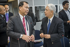 Indonesian representative talks with John Y. Lu