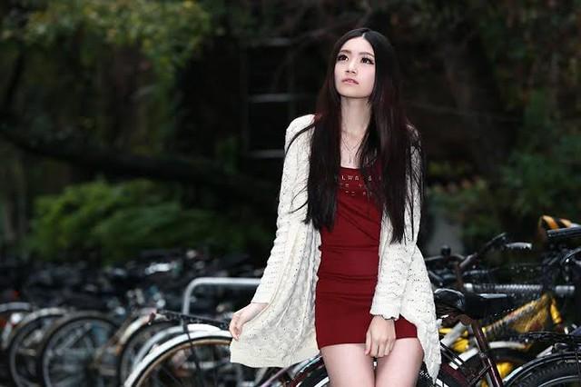 Koobii人氣嚴選56【實踐大學─黃婷婷】不只有美貌,更有智慧
