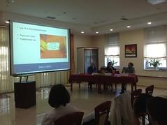 """Vita Poštuvan je predstavila teorijo in prakso MBCT - izvajanje Programa NARA v Sloveniji • <a style=""""font-size:0.8em;"""" href=""""http://www.flickr.com/photos/102235479@N03/14377259001/"""" target=""""_blank"""">View on Flickr</a>"""