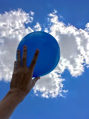 Blue mood (henriiqueprado) Tags: ballon blue cu sky expressyourself iphonese apple