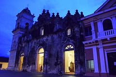 Iglesia la Merced at dusk, Granada, Nicaragua (nickdippie) Tags: granada nicaragua iglesia church colonialchurch oldchurch eveningshot light dusk churchlights churchatdusk centralamerica iglesiaviejo firedamagedchurch