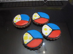 philippine independence day cookie (rioski) Tags: chocolate flag philippineflag sugarcookies