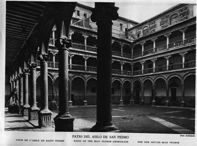 Claustro de san Pedro Mártir a comienzos del siglo XX