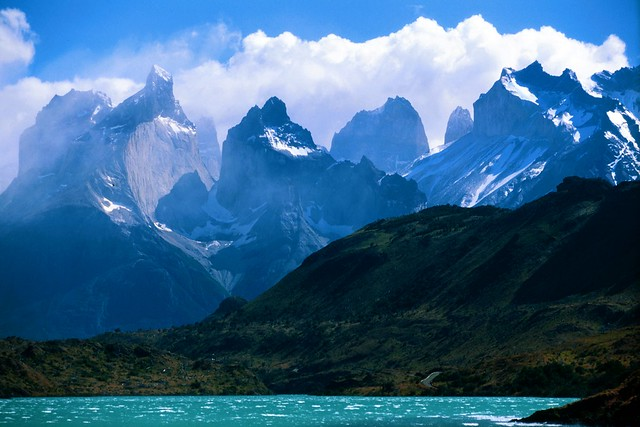 A_view_towards_Torres_Del_Paine