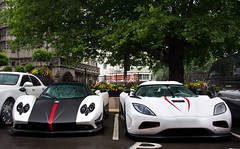 Duo. (Alex Penfold) Tags: auto park camera red white london cars alex sports wet car sport mobile train canon photography eos photo cool flickr image awesome flash picture super spot arabic exotic photograph arab r lane spotted hyper carbon mayfair supercar dorchester spotting cinque numberplate exotica sportscar zonda koenigsegg qatar sportscars supercars roadster pagani penfold spotter qtr 2011 hypercar 60d hypercars agera alexpenfold