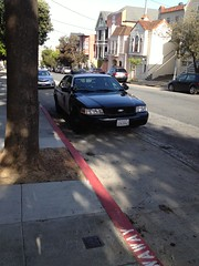 San Francisco police car illegally parked in bus zone (Matt-Zimmerman) Tags: sanfrancisco car cops police valley illegal parked noevalley coffeebreak noe buszone illegally