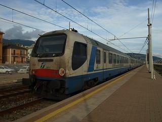 E402-142 con ARCHIMEDE Treno diagnostico di RFI in transito a Lavagna 08-05-2012