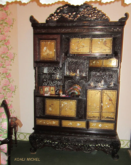The world 39 s best photos of armoire and meuble flickr for Meubles japonais suisse