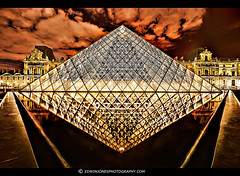 Louvre Night Diamond Paris (Edwinjones) Tags: light paris france reflection night outside pyramid louvre sony hdr thelouvre photomatix