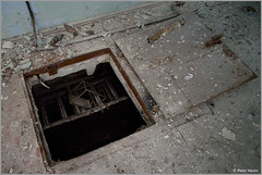Duga-3 Access Hatch to the Cables (Peter Heuts) Tags: photography woodpecker fotografie object secret military sony ukraine full peter 99 soviet frame alpha russian radar zone chernobyl exclusion oth tsjernobyl a99 oekraïne overthehorizon дуга heuts peterheuts duga3 russianwoodpecker doega3 дуга3