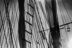 Cordage (pni) Tags: cord rope rigging mast ladder sky monochrome multiexposure multipleexposure tripleexposure silakkamarkkinat strmmingsmarknad balticherringmarket fair kauppatori salutorget market square helsinki helsingfors finland suomi pekkanikrus skrubu pni