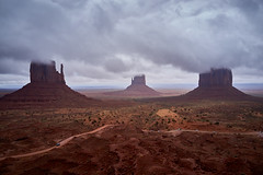 Rainy day at the Monument Valley  -DSC04531 (j_m_kubler) Tags: sonyrx1 monumentvalley arizona