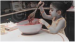 """ـالشيف ريمآس """" (ƒlรƒคђ ) Tags: baby cooking girl sweet بنت كيك مطبخ اطفال كانون حلا حلى شيف"""
