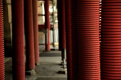 Red protection (faungg's photos) Tags: street red paris france scene safety protection 随拍 巴黎 0548 constructional