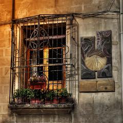 1090034_F (Otos, Poble de rellotges solars) (Rafelot) Tags: sol valencia canon ventana solar spain finestra sundial reloj rellotge otos benicadell valldalbaida eixidetes rafelot amicsdelacamera afsueca alapiltraquejaeshora afastello 1430horasolar