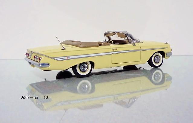 chevrolet impala 1961 diecast 124scale wcpd