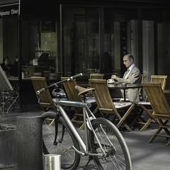 Avant la route (sistereden2) Tags: café sigma dp2m square