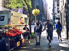 (YUXIN.C) Tags: fruitstand sunshine afternoon refresh manhattan midtown streetphoto pedestrians flowers