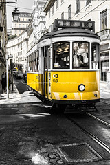 """Yellow Tram"" - Lisbona • <a style=""font-size:0.8em;"" href=""https://www.flickr.com/photos/63857885@N08/13885585359/"" target=""_blank"">View on Flickr</a>"