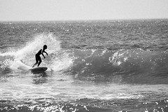v7^ (HrrayFrunk) Tags: b bw white black canon surf w sigma wave apo 150 7d 500