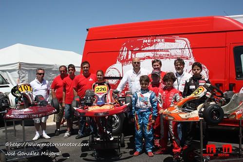 Varios pilotos participantes cadetes y alevines en el Circuito Kartpetania