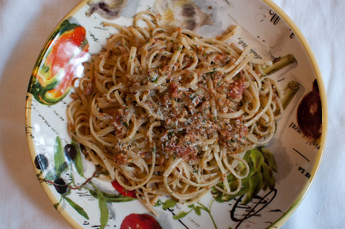 Le Man and Wife: Linguine with Tomato Almond Pesto