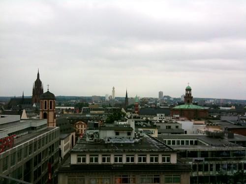 <span>francoforte</span>Panoramica della città vecchia...<br><br><p class='tag'>tag:<br/>luoghi | francoforte | </p>