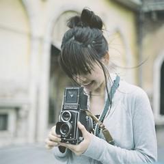 *Rolleicord Beauty (fangchun15) Tags: 120 6x6 film japan tokyo disney bronica fujifilm s2 夢の国 bronicas2 pro400h