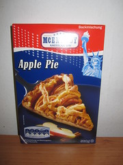 McEnnedy apple pie (Like_the_Grand_Canyon) Tags: cake germany baking back mix german american lidl kuchen backen mischung backmischung