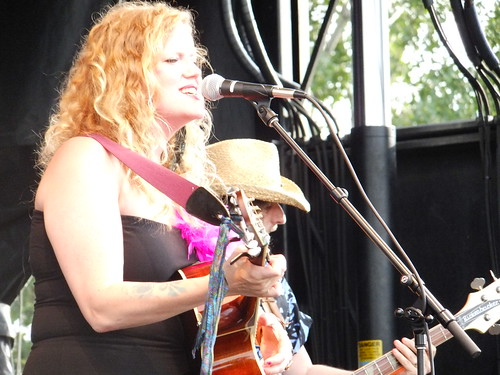 Lindsay Ferguson at Bluesfest 2011