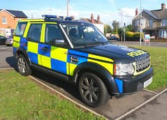 Essex Police / Land Rover Discovery / Traffic RPU Car / CT81 / EU59 KTO (Chris' 999 Pics) Tags: road old uk light england woman man film car station speed drive bill pc bars pix order fuji cops traffic united nick fine blues police samsung kingdom rover cop finepix copper land vehicle and leds fujifilm service law enforcement breakers emergency discovery 112 essex rapid coppers pursuit rayne arrest policeman chadwick unit stops 999 constable 991 braintree twos strobes rpu policing lightbars rotators vluu pl81 sl630 pl80 esspol s2750hd eu59kto