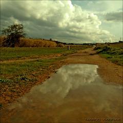 la charca (m@tr) Tags: barcelona sky espaa naturaleza clouds olympus cielo nubes reportaje lacharca epl1 mtr marcovianna fotosderipollet zuikoed1442mmf3556 ripolletnatura