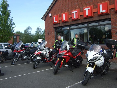 "11 Multistrada gets secret admirer • <a style=""font-size:0.8em;"" href=""http://www.flickr.com/photos/79883535@N07/7191517902/"" target=""_blank"">View on Flickr</a>"